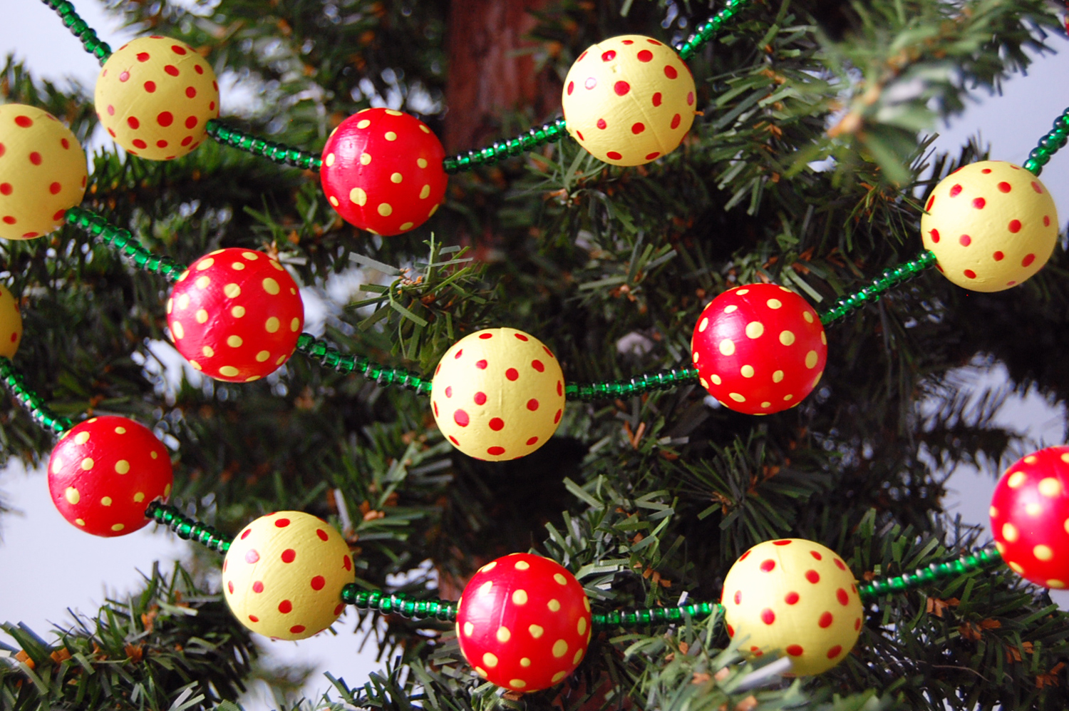 Whimsical christmas tree garland diy ball garland smoothfoam