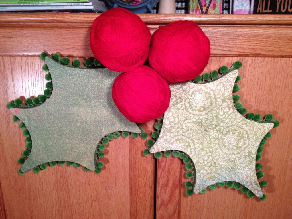 Smoothfoam holly berry door decor