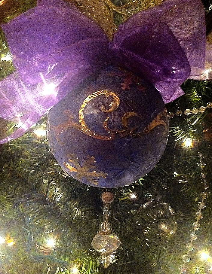 Smoothfoam tissue decoupage ornament