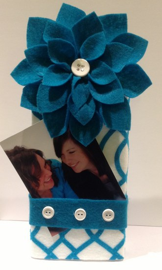 Smoothfoam felt flower photo holder