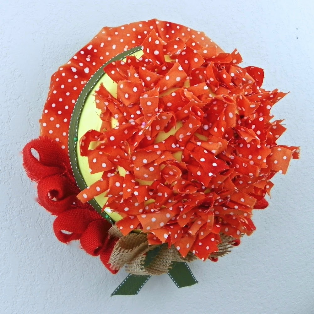Smoothfoam domed fabric wreath side