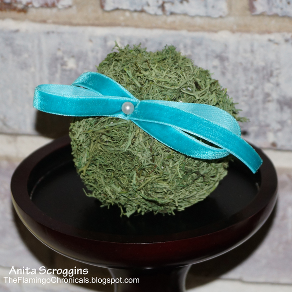 Smoothfoam Moss Balls with ribbon