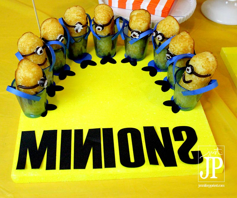 Smoothfoam Cake Plate for Minions Twinkies - Minions Party JPriest