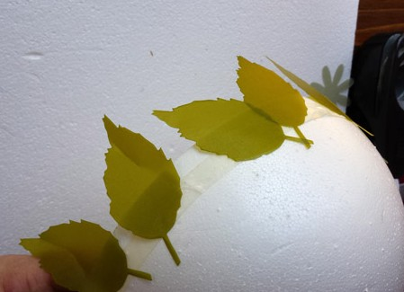 Smoothfoam leaves on half round
