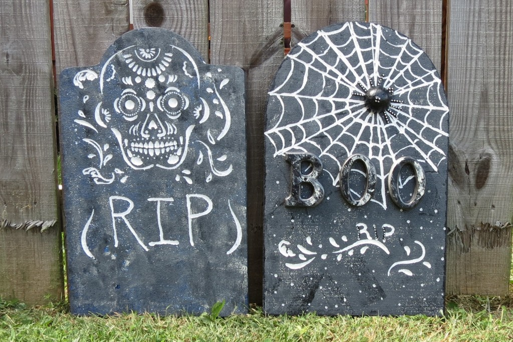 Diy halloween tombstones tombstone craft smoothfoam for Tombstone templates for halloween