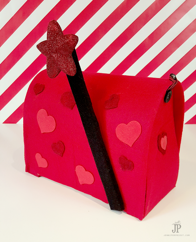 DIY-Valentine-Mailbox-with-Smoothfoam-Jennifer-Priest