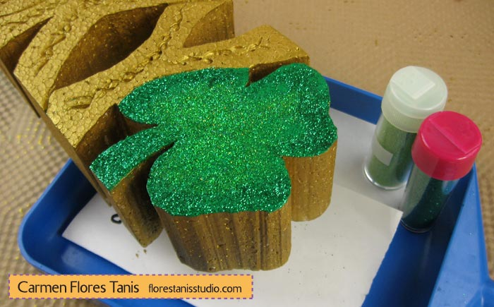 Smoothfoam-Carved-Lucky-Shamrock-Decoration-by-Carmen-Flores-Tanis-Step-5