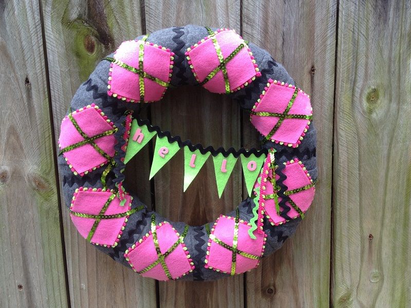 smoothfoam argyle felt wreath
